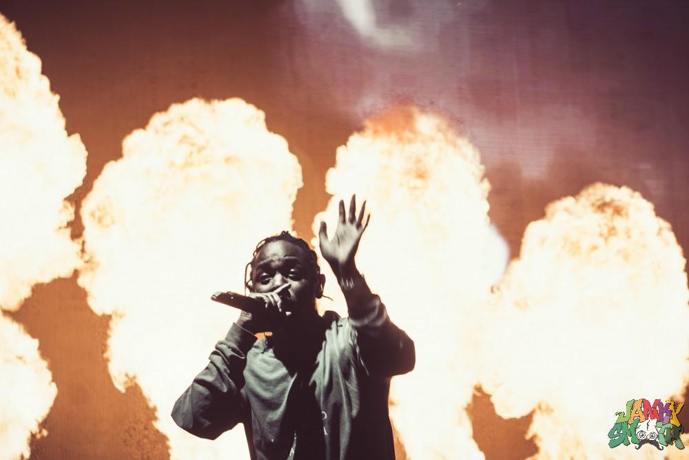 Kendrick Lamar get lit af at FYF 2016